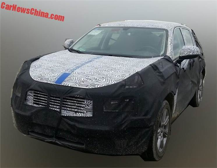 New Lynk & Co CX11 SUV spied - Autocar India
