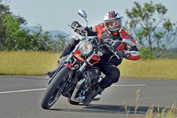 Moto Guzzi V9 Roamer review, test ride