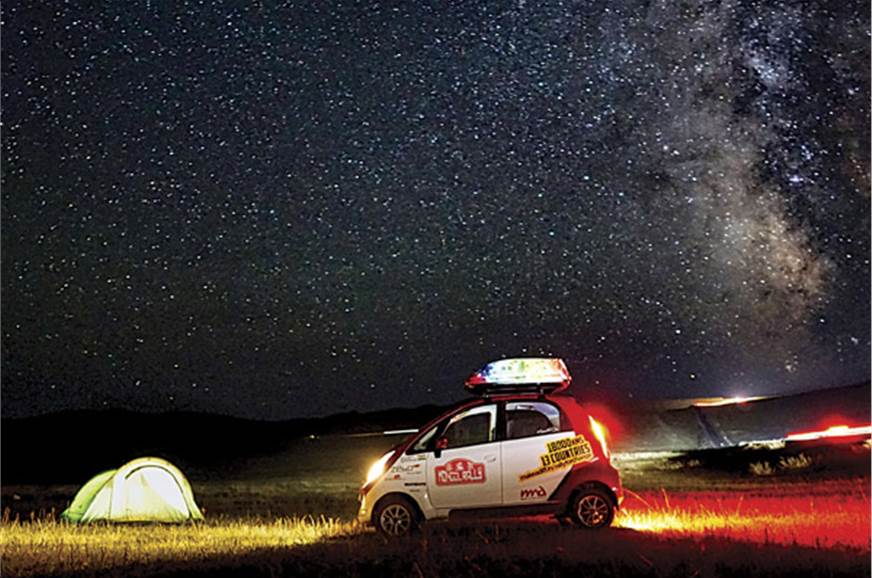 Stars will guide you home – overnight camping in Mongolia.