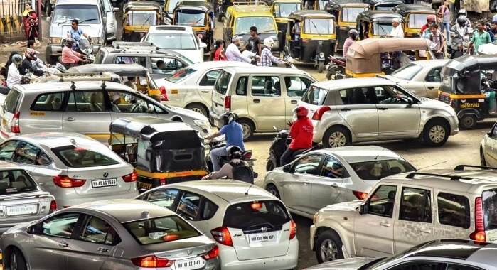 Passenger vehicles sales mixed in Nov amid demonetisation