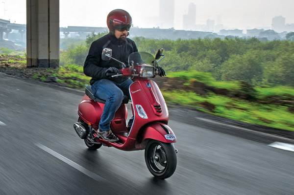 2016 Vespa SXL 150 long-term review, first report