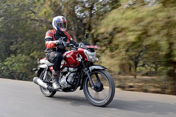 2017 Bajaj V12 review, test ride
