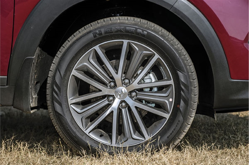 Stylish 18-inch rims; low profile 55 tyres not suited for...