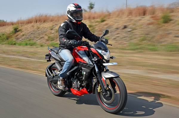 2017 Bajaj Pulsar NS200 review, test ride