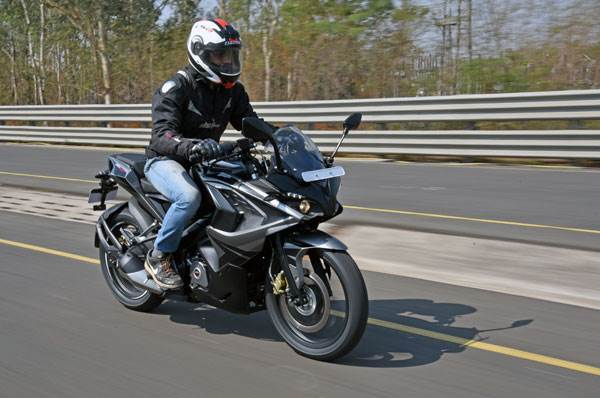 2017 Bajaj Pulsar RS200 review, first ride