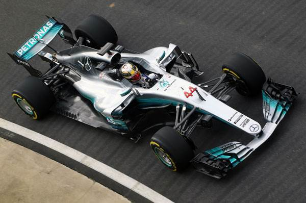 F1 2017: Mercedes W08 unveiled