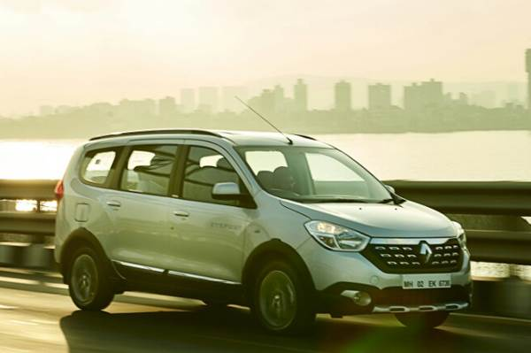 2017 Renault Lodgy Stepway review, test drive