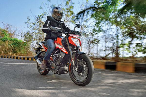 2017 KTM 250 Duke review, road test