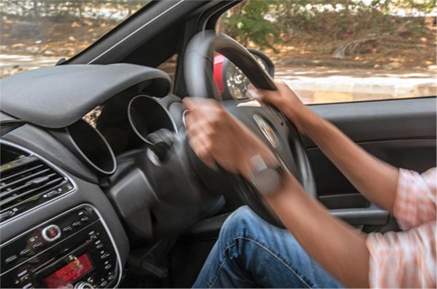 Lack of tele steering adjust doesn't help Punto's awkward...