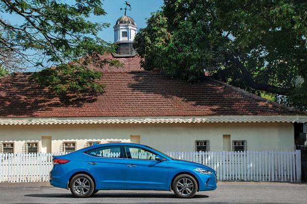 2016 Hyundai Elantra petrol long term review, second report