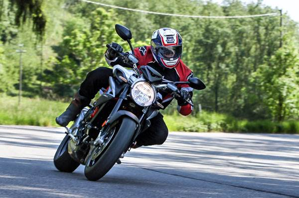 2017 MV Agusta Brutale 800 review, test ride