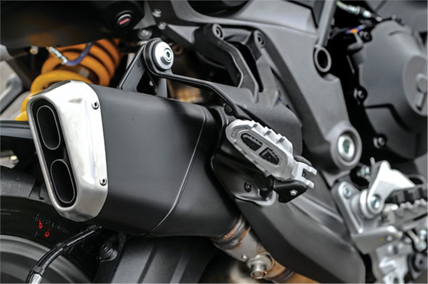 High-mounted exhaust like the Enduro.