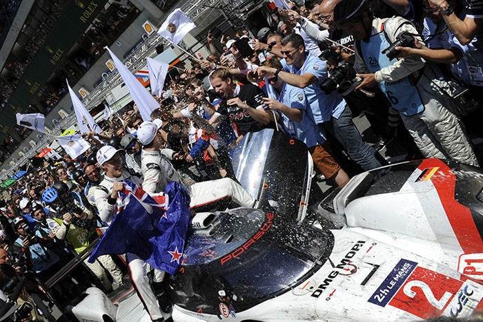 Porsche defeats LMP2 cars to win 2017 Le Mans