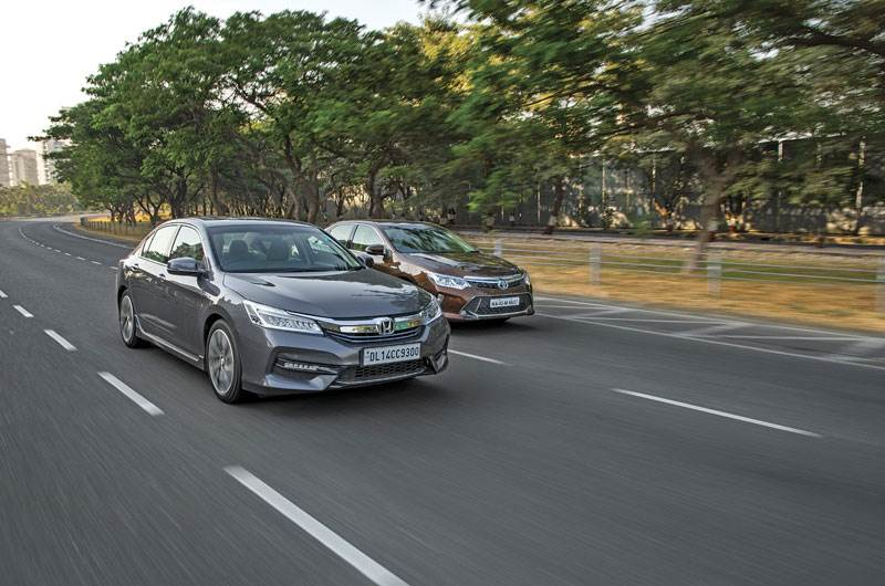 Honda Accord vs Toyota Camry Hybrid comparison
