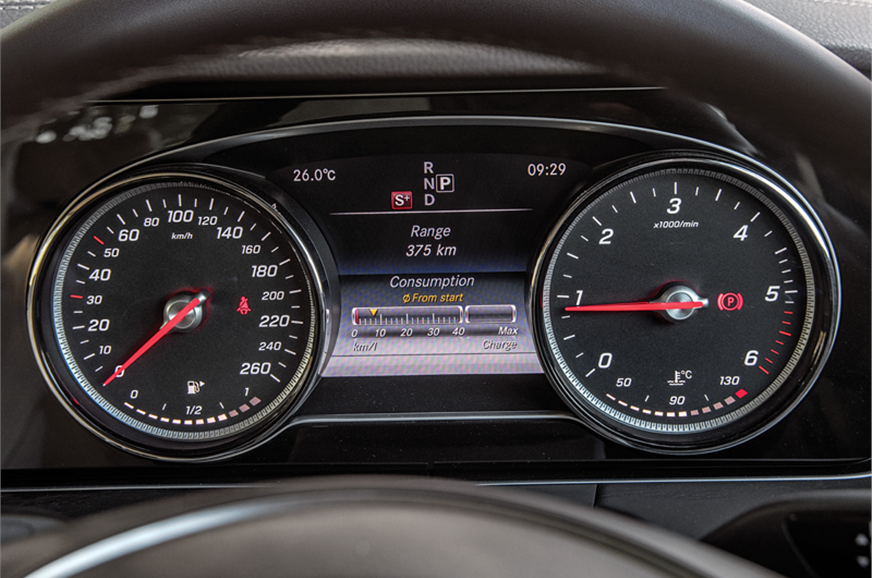 Dials are crisp and easy to read, but all-digital interfa...