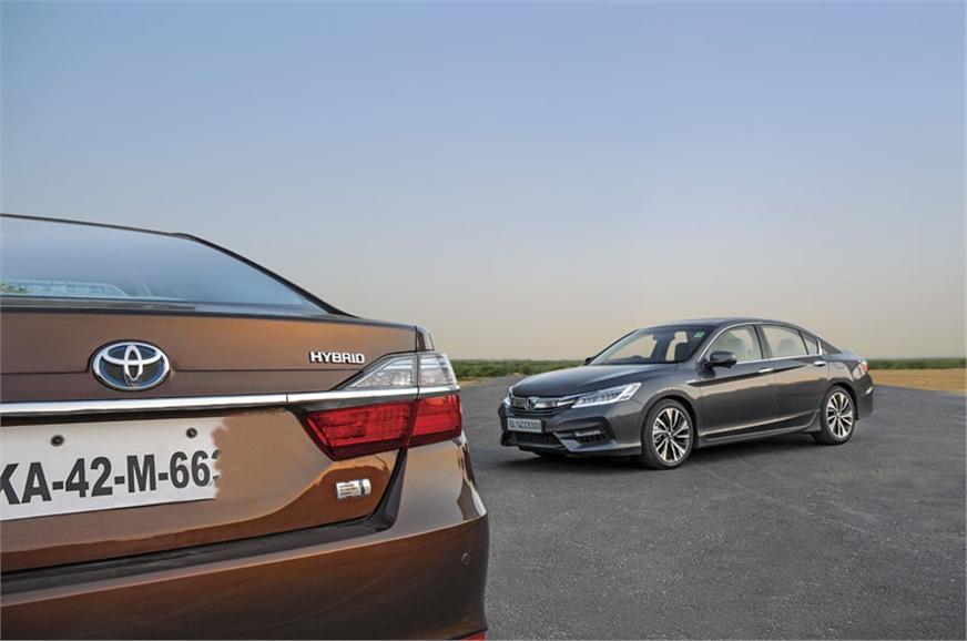 Honda Accord Vs Toyota Camry Hybrid Comparison Autocar India