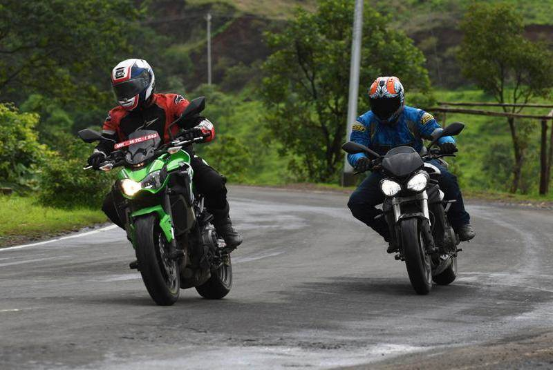 Triumph Street Triple S vs Kawasaki Z900 comparison