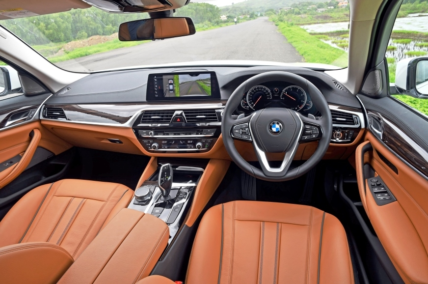 Dash borrows much from the bigger 7-series, but the overa...