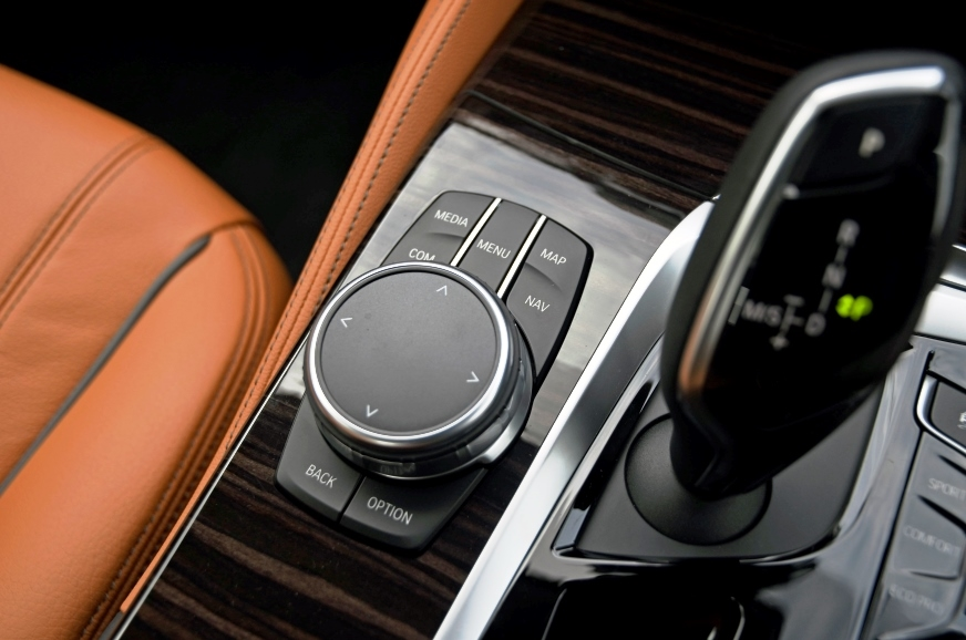 BMW's i-Drive infotainment system is still the best in th...