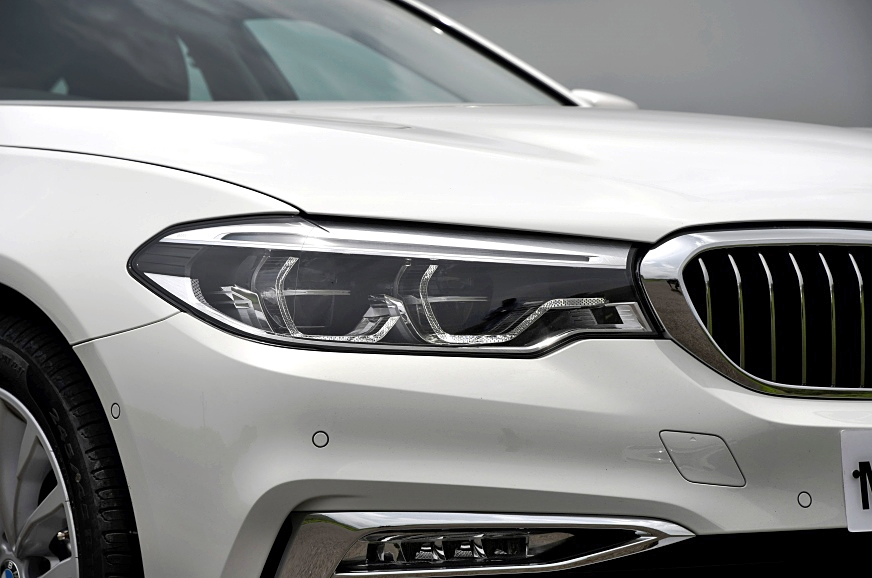 LED headlamps are standard, and 'adaptive' on higher trims.