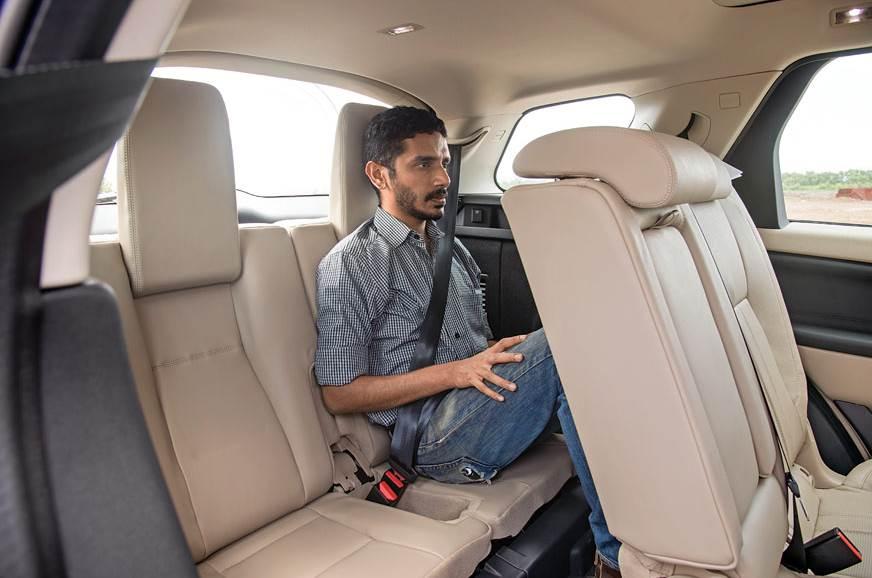 Sliding Disco's middle seats liberates huge legroom