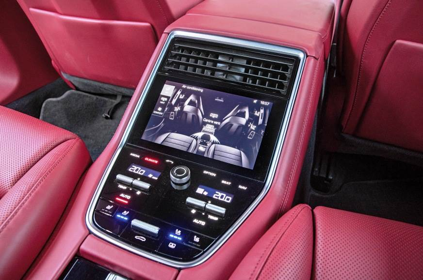 Comprehensive controls at the rear.