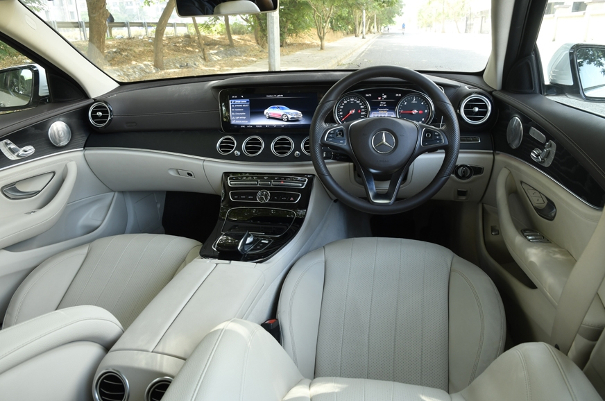 Wide, multi-layered dash looks classy and feels rich. Un-...