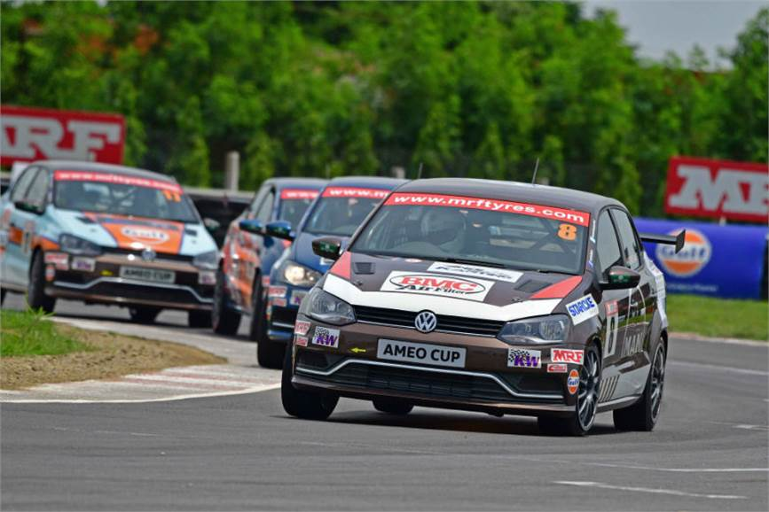 Karminder Singh leads the championship with 384 points; Kolhapur's Dhruv Mohite stands second overall in the championship.