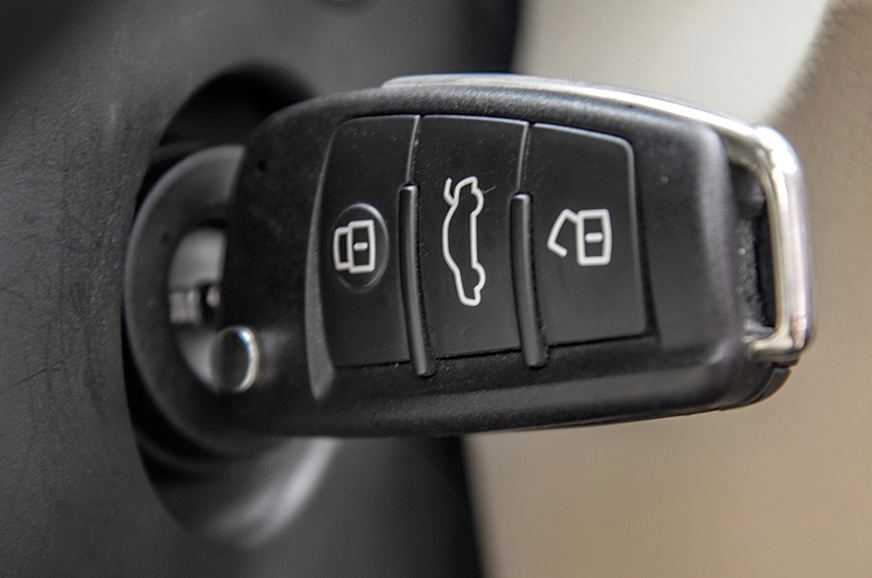 No ' keyless go' on the Q3, for a car in this segment fee...