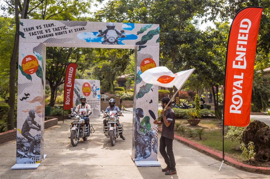 Participating teams were flagged off one by one.