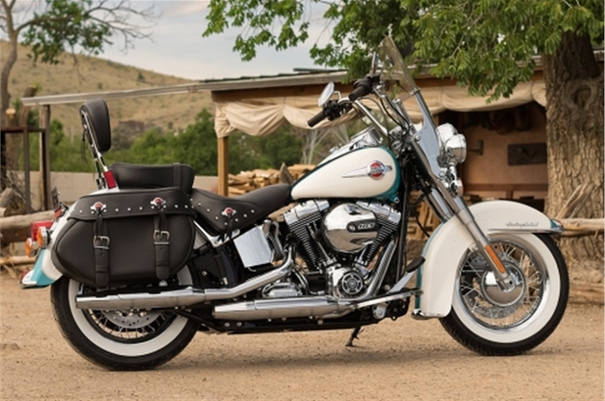 Harley-Davidson Heritage Softail Classic.