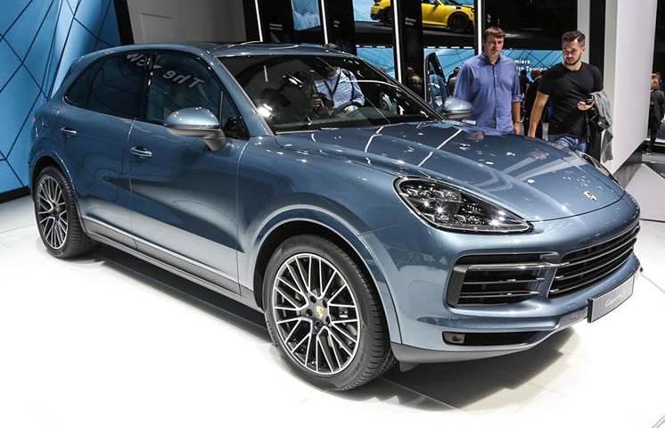 All-new Porsche Cayenne Turbo debuts at Frankfurt