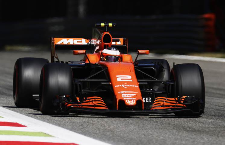 McLaren to switch to Renault engines from 2018