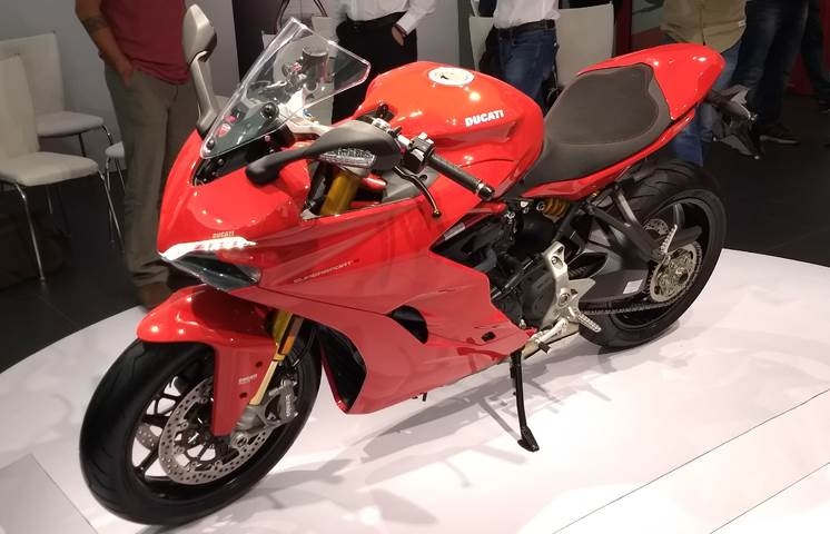 2017 Ducati SuperSport launched at Rs 12.08 lakh