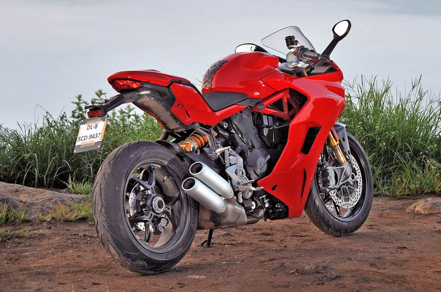 The large front fairing and slim tail does give the big a...
