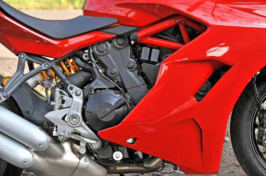 937cc V-twin motor produces 110hp and 93Nm.