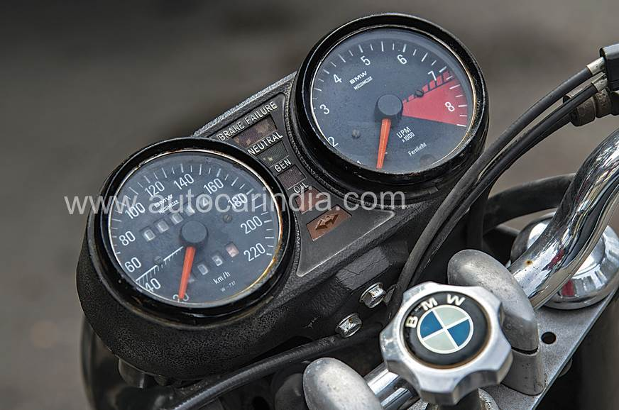 The original BMW MotoMeter works perfectly.