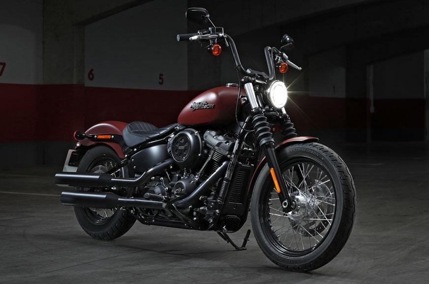 Harley Davidson Street Bob With Passenger