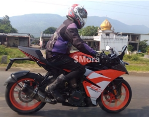 KTM RC 250 spied testing in India