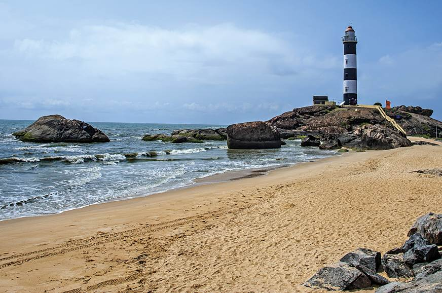 A handful of lighthouses dot the islands and coastlines a...