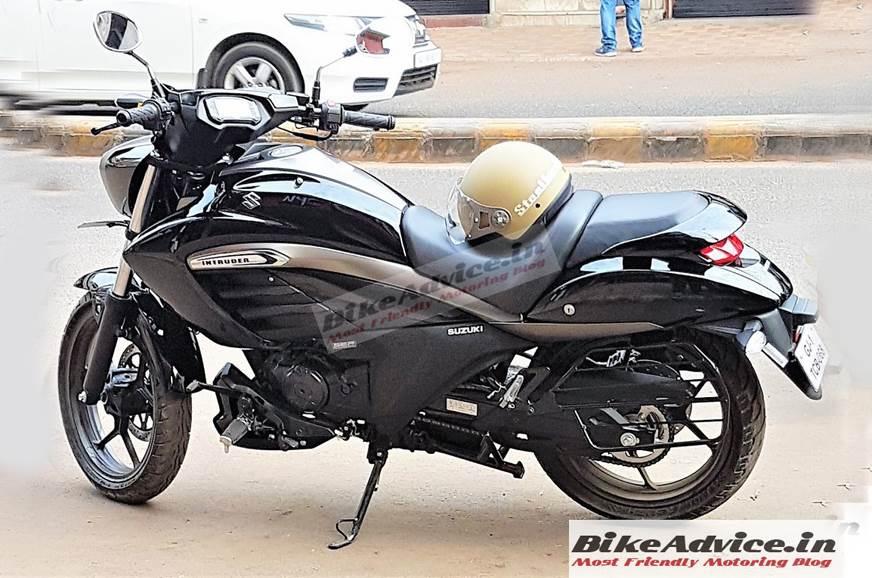 Suzuki Intruder 150 spied