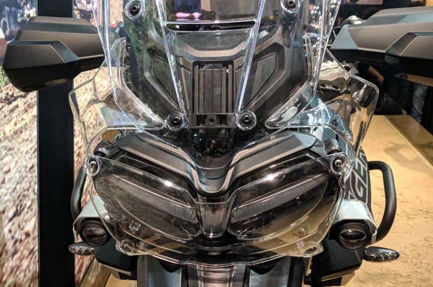 2018 Triumph Tiger 800 headlamps