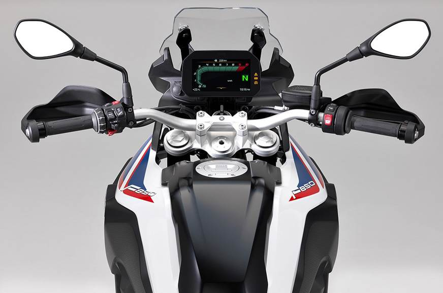The new instrument cluster on the F850 GS.