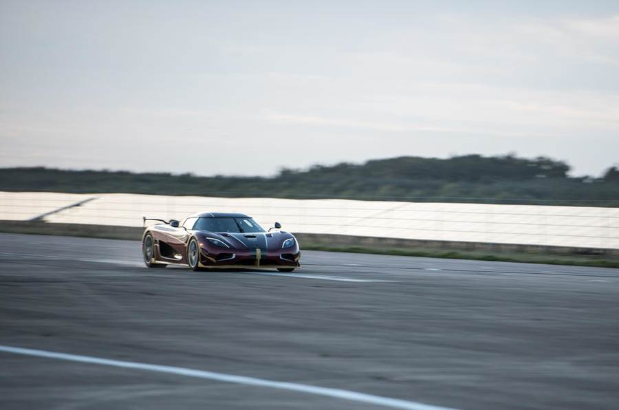 Koenigsegg Agera RS breaks production car speed record