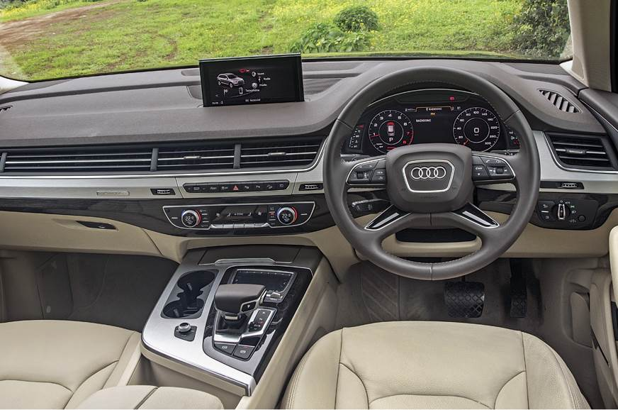 The Q7's low-set dash looks fantastic and quality is superb.