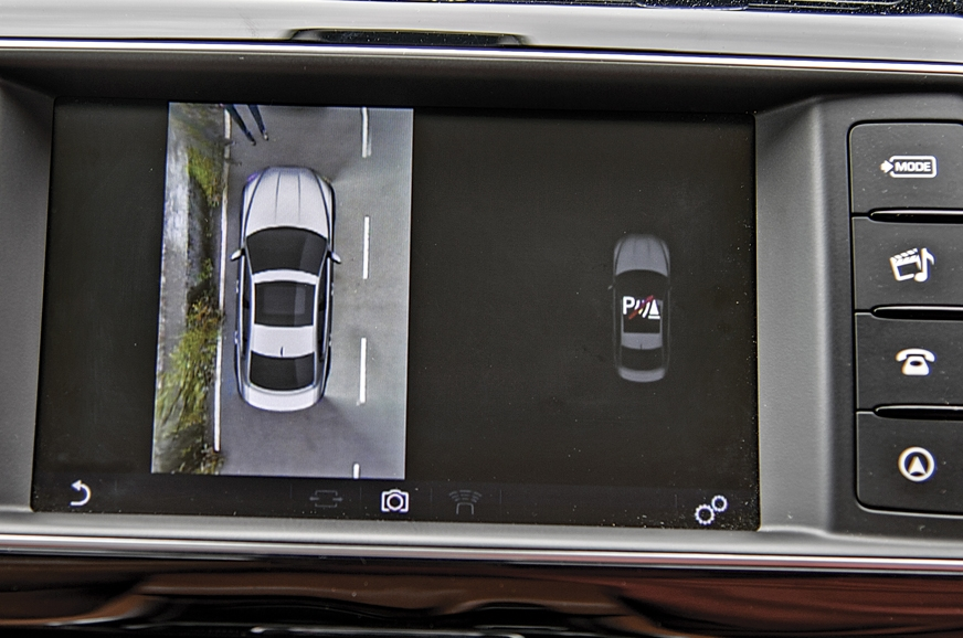 360deg cameras help you park the XE in tight spots.