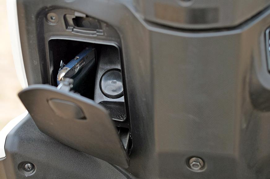 Honda offers a 'glovebox' on the Grazia.
