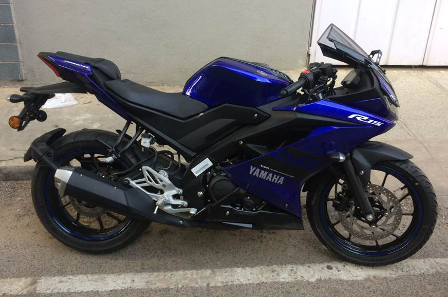 Undisguised Yamaha YZF R15 v3.0 spied.