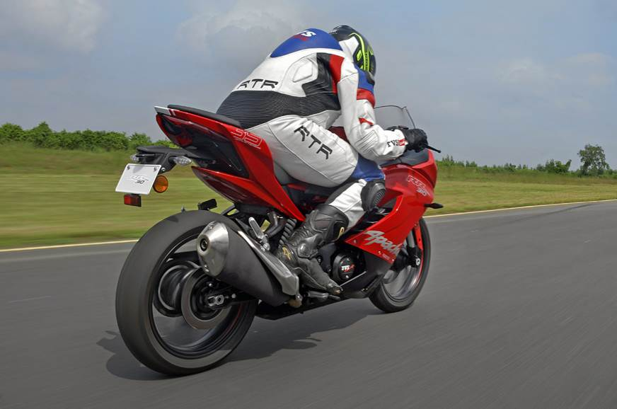 The Apache 310 RR boasts commendable stability at high sp...