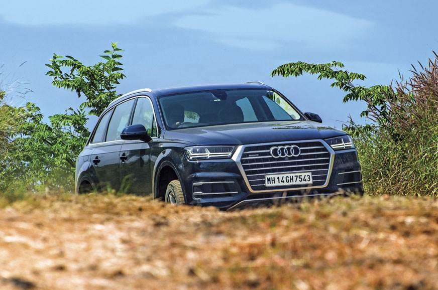 The Audi Q7's standard air suspension delivers a supremel...